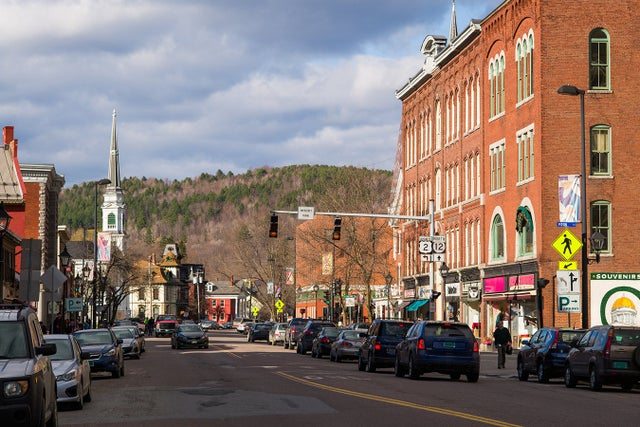 vermont-is-1st-state-to-give-minority-residents-vaccine-priority