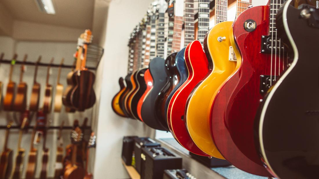 buying-your-first-guitar?-we-asked-the-experts-where-to-start
