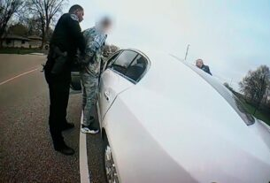 minnesota-police-chief-describes-the-shooting-of-daunte-wright-as-an-'accidental-discharge'-by-the-officer