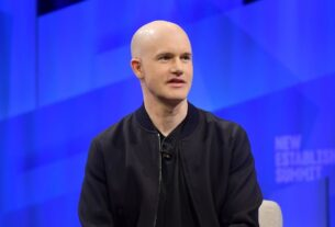 what-is-a-direct-listing?-how-the-coinbase-public-offering-differs-from-a-traditional-ipo