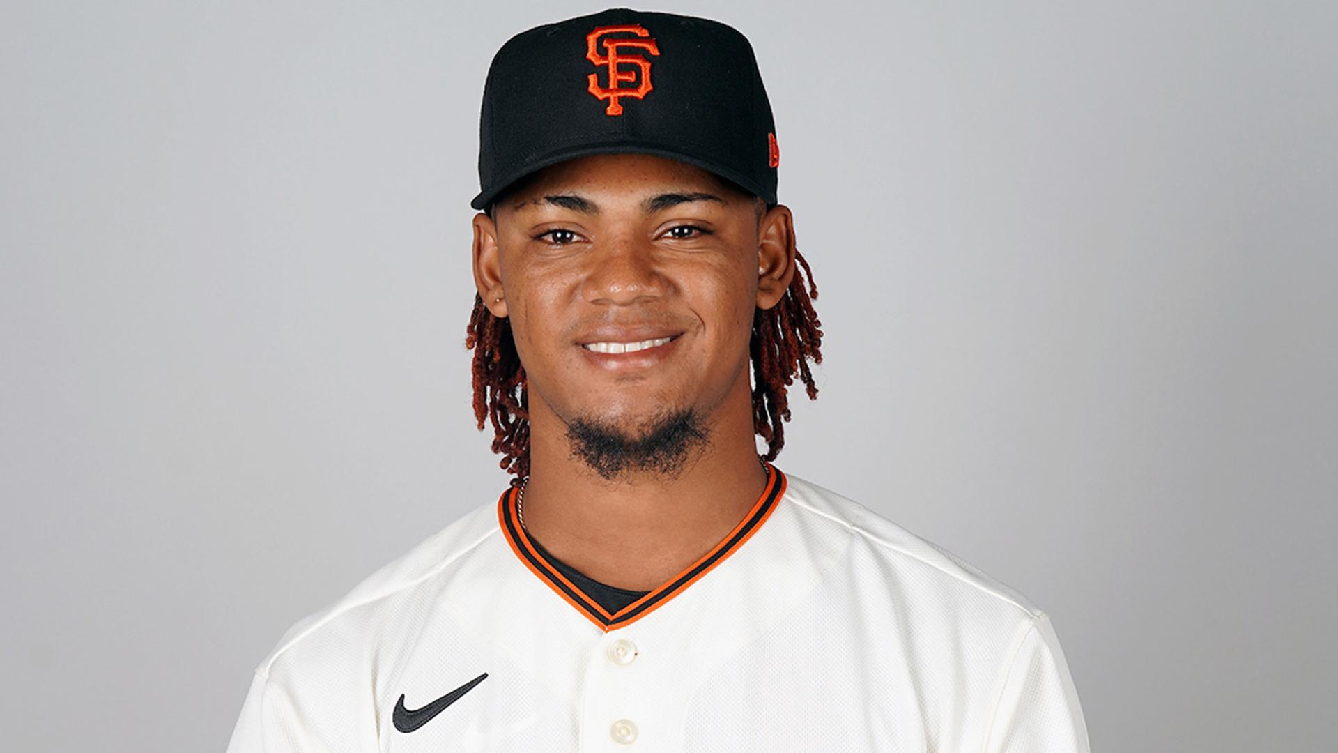 giants-call-up-camilo-doval,-hard-throwing-right-hander,-for-debut
