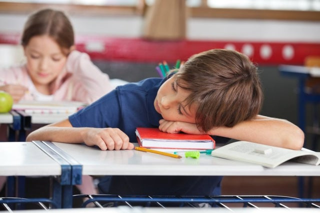 study:-later-school-start-times-aid-sleep-duration,-quality-for-adolescents,-teens