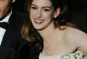 anne-hathaway-and-james-franco-hosting-the-2011-oscars-may-have-been-doomed-from-the-start