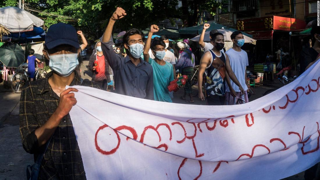 myanmar-releases-prisoners-for-new-year,-though-likely-not-dissidents