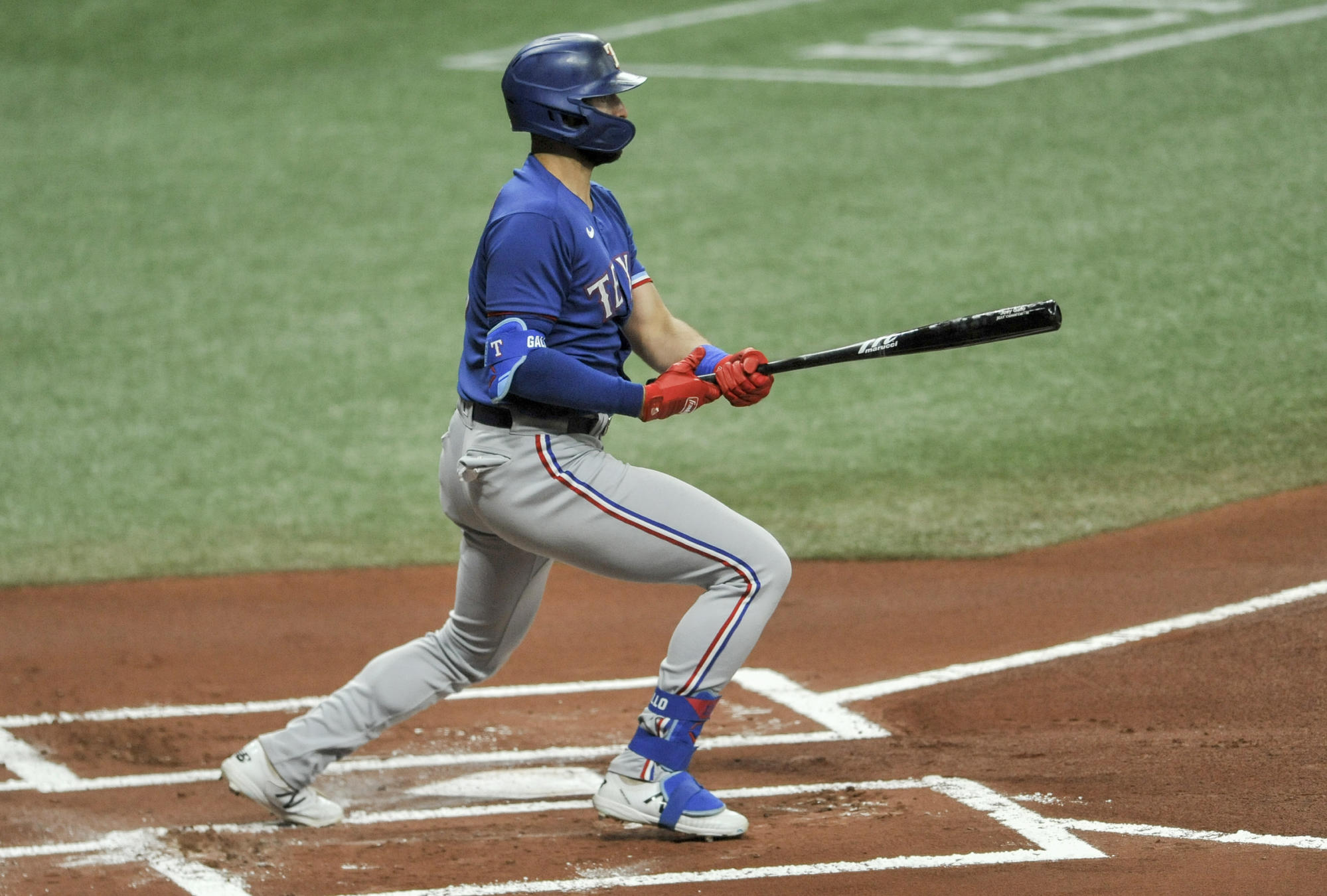gallo-getting-on-base-for-rangers-without-all-of-the-extras