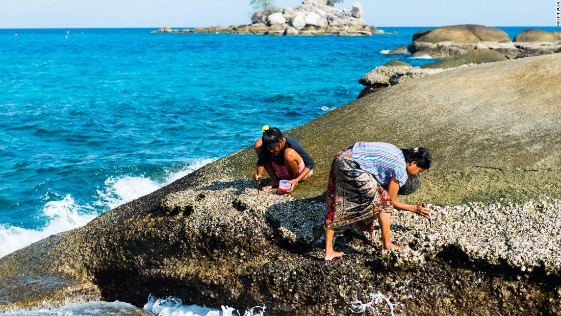 thailand's-'sea-people'-adapt-to-life-on-land