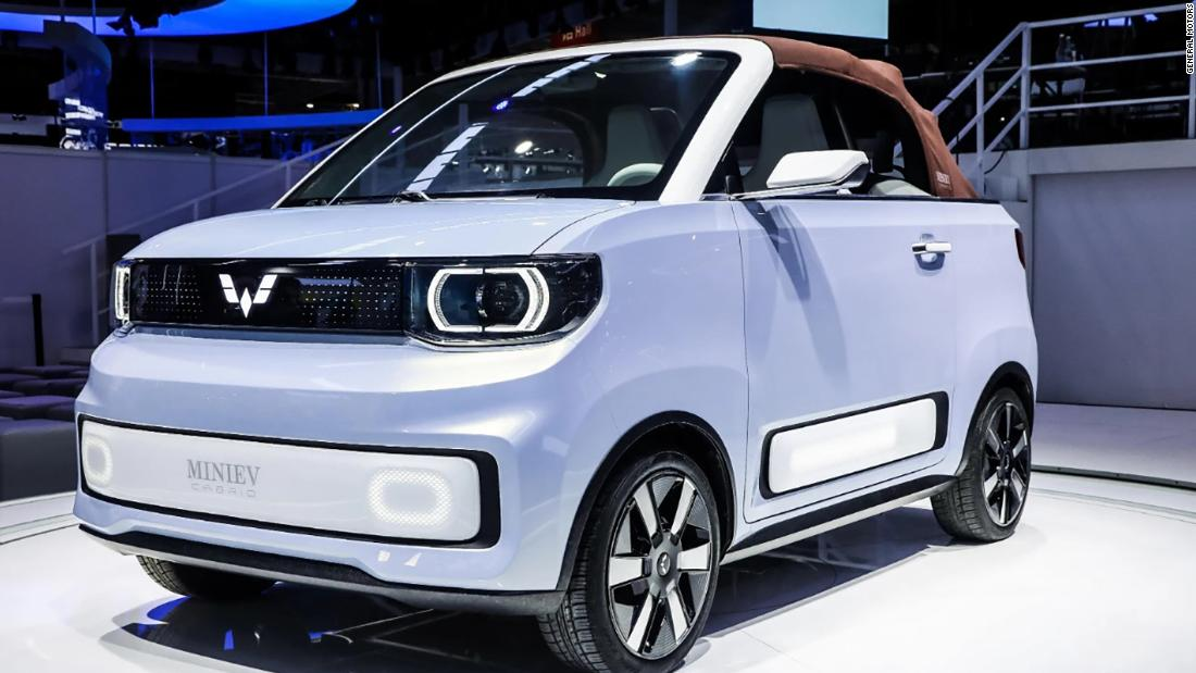 gm-reveals-tiny,-adorable-electric-convertible-to-be-sold-in-china