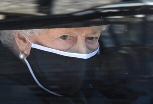 queen-thanks-well-wishers-as-she-spends-her-first-birthday-without-prince-philip