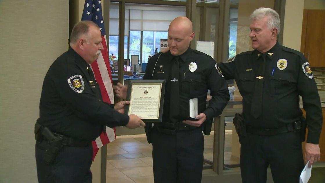officer-saves-woman-from-burning-home