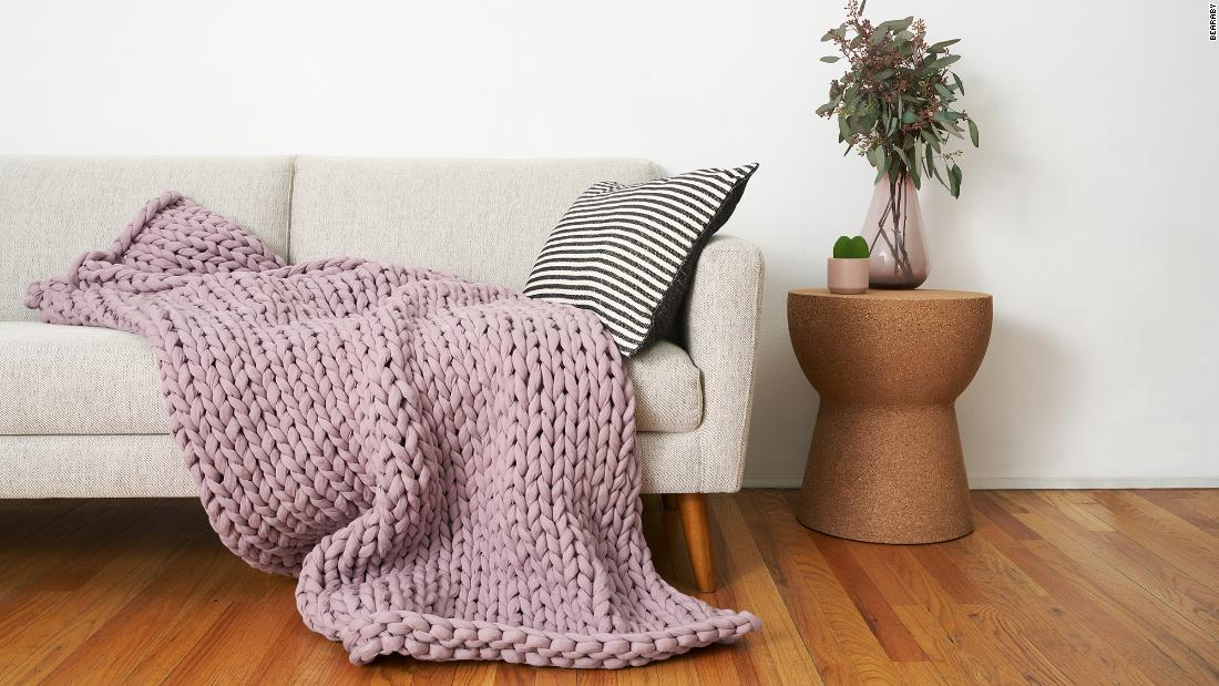 bearaby-brought-back-its-cooling-weighted-blanket-for-earth-day
