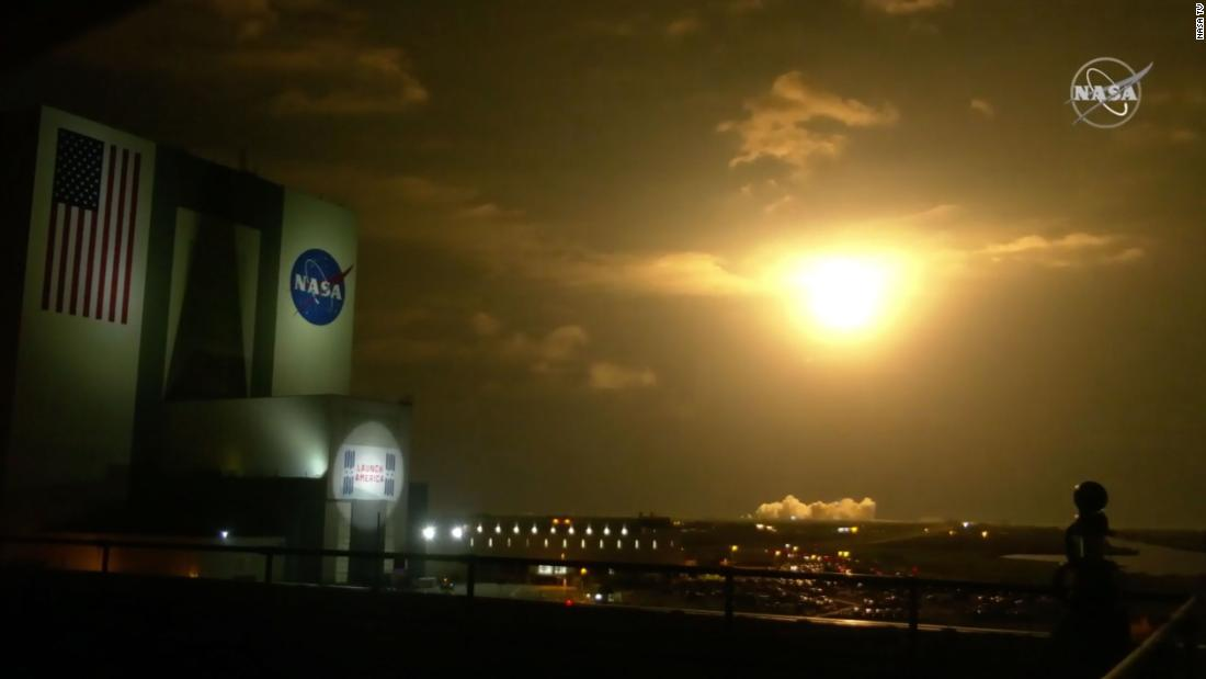 spacex-rocket-carrying-four-astronauts-launches-from-florida