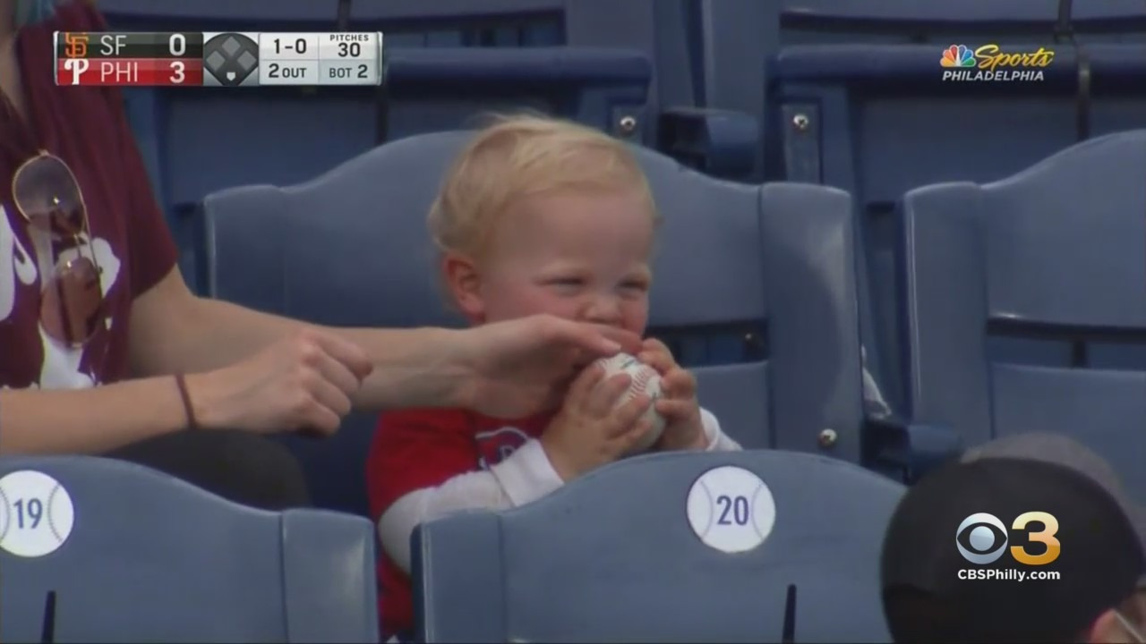 1-yr-old-boy-steals-show-after-trying-to-eat-ball