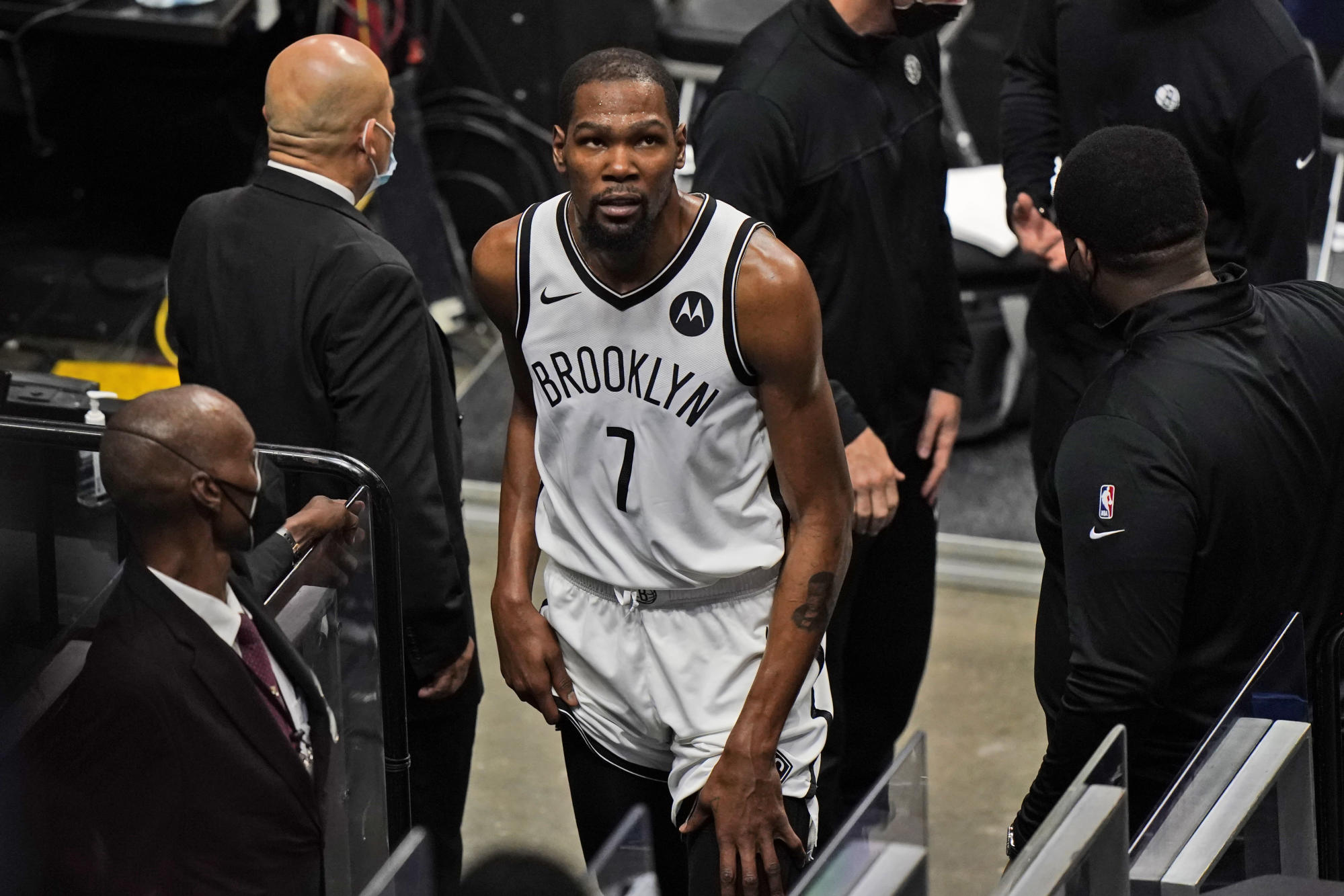 durant-back-for-nets-after-3-game-absence-with-thigh-injury