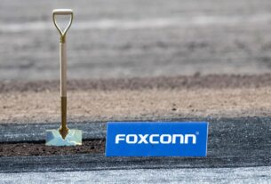 foxconn's-giant-factory-in-wisconsin-sounded-too-good-to-be-true.-turns-out-it-was
