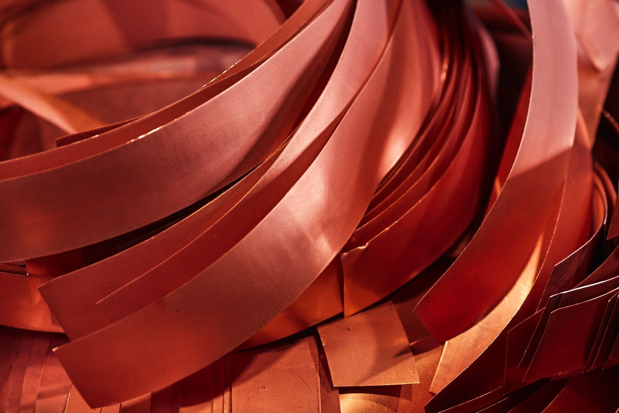 copper-surges-toward-$10,000-as-bulls-bet-on-global-rebound