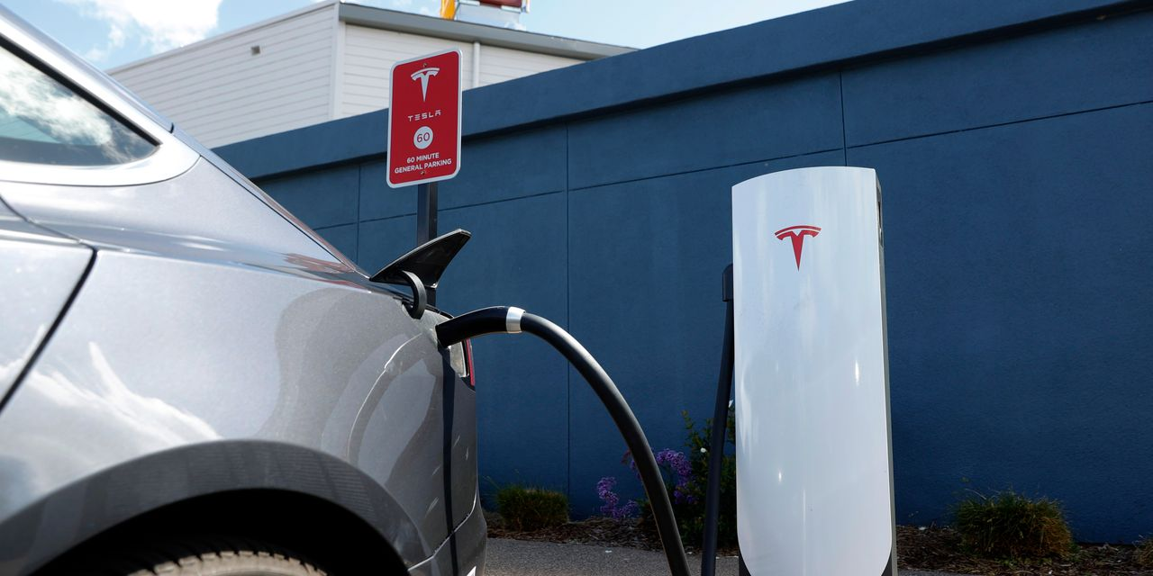 tesla-earnings-were-a-gift-to-the-doubters-here's-why.