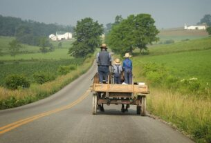 ohio's-amish-suffered-a-lot-from-covid,-but-vaccines-are-still-a-hard-sell