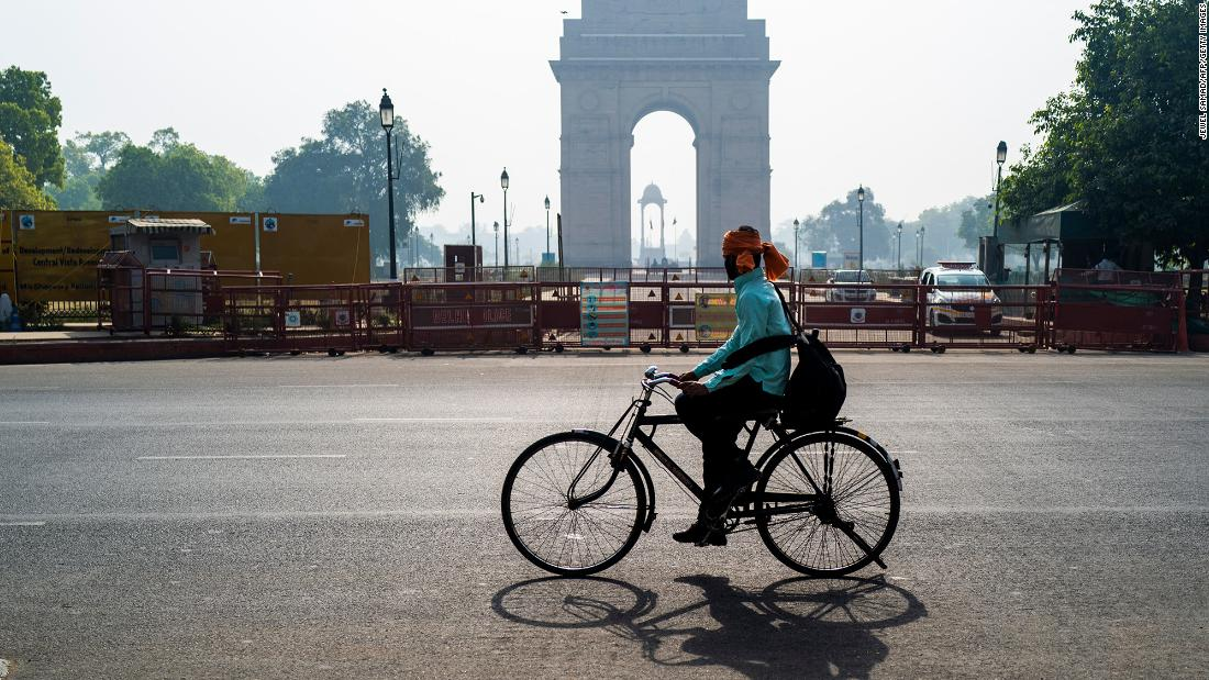 india-doesn't-want-to-shut-down-its-economy-again.-it-may-get-crushed-anyway