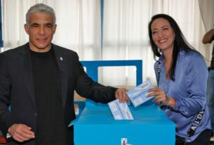 yair-lapid-gets-mandate-to-try-to-form-next-israeli-government