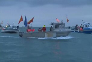 see-french-and-uk-boats-sent-to-jersey-over-fishing-feud