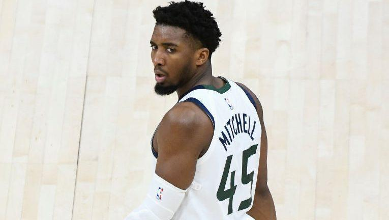 donovan-mitchell-to-be-re-evaluated-next-friday,-may-be-out-for-regular-season