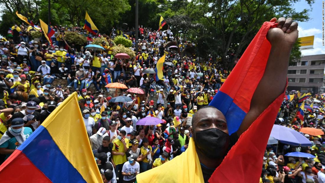 in-colombia's-protests,-pandemic-pressures-collide-with-an-existential-reckoning-for-police