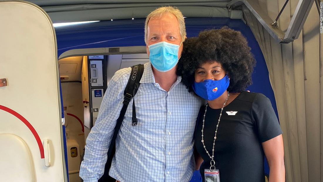 american-airlines-ceo-shows-up-at-southwest-flight-attendant's-wedding-a-year-after-their-viral-meeting