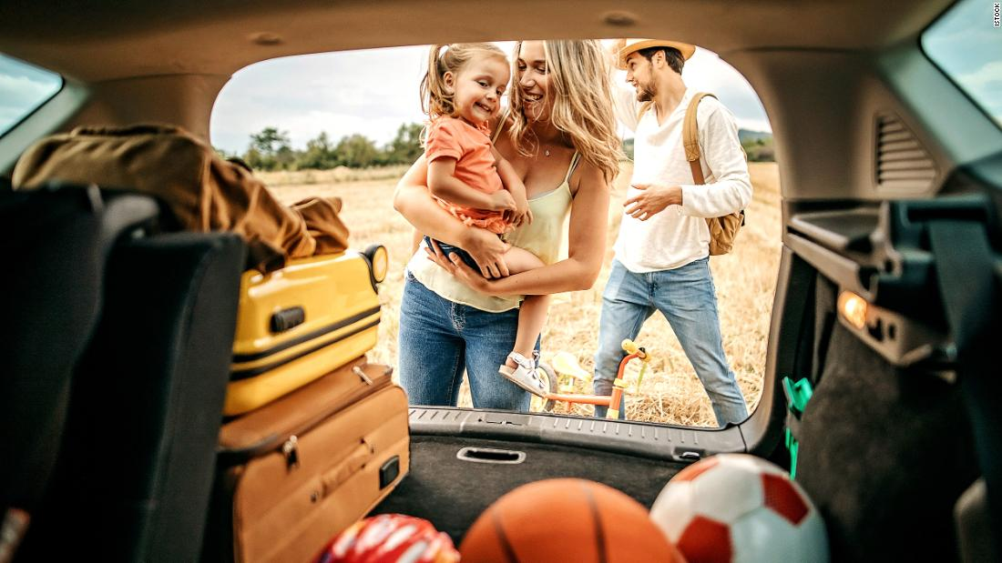22-things-you-should-bring-on-every-road-trip,-according-to-experts