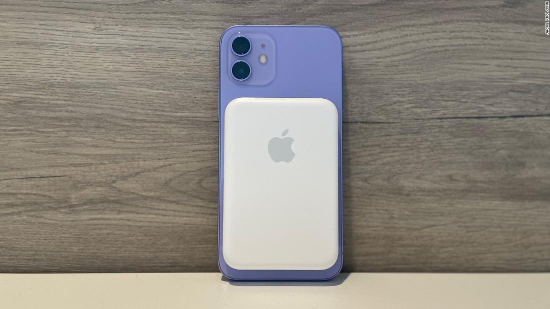 we-tried-apple's-new-battery-pack-—-here's-what-we-thought
