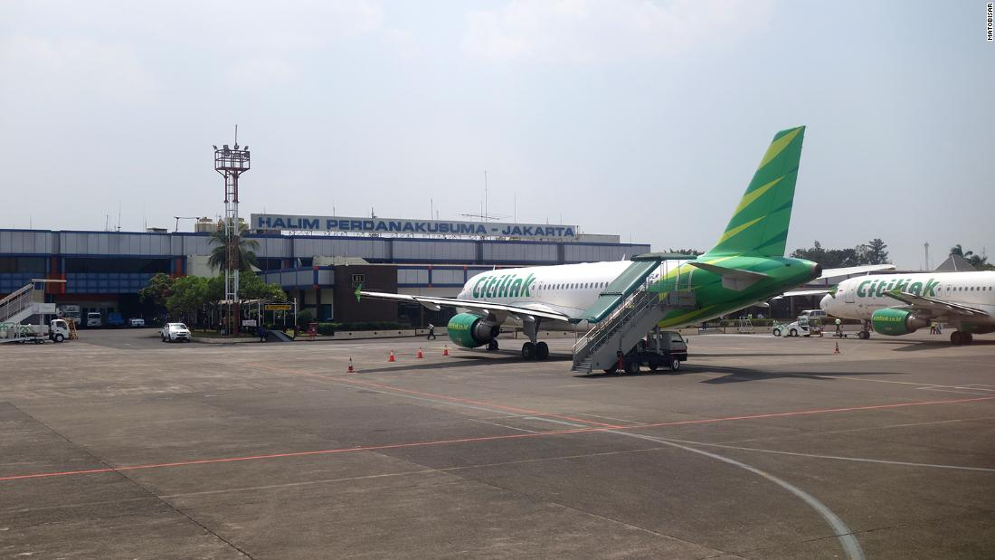 indonesian-covid-positive-man-disguises-himself-as-wife-on-citilink-flight-in-order-to-fly