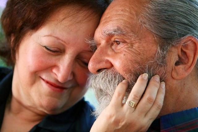 study:-adults-wealthier-at-midlife-tend-to-live-longer-than-less-well-off-peers