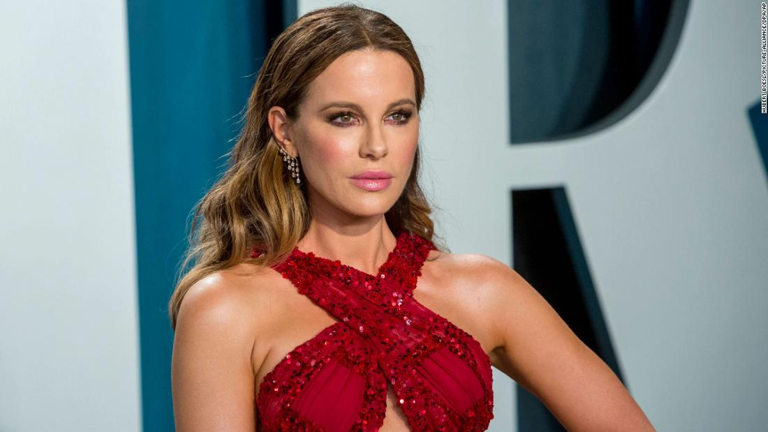 kate-beckinsale-says-she's-'never'-been-on-a-real-date