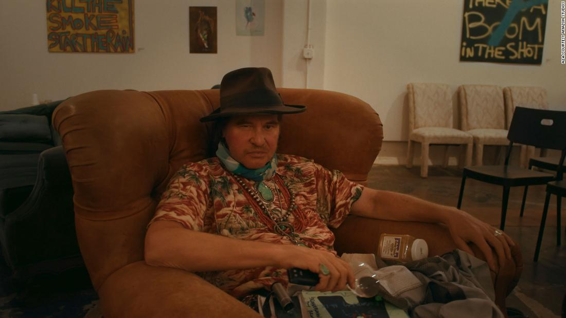 val-kilmer-leads-a-tantalizing-tour-of-his-life-and-career-in-'val'