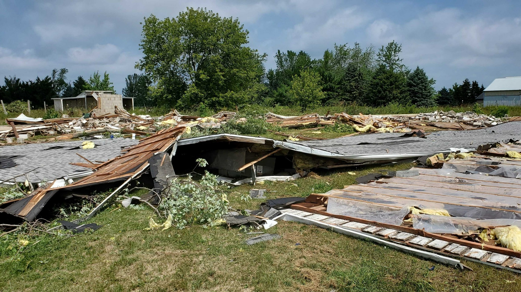 at-least-6-tornadoes-across-wisconsin