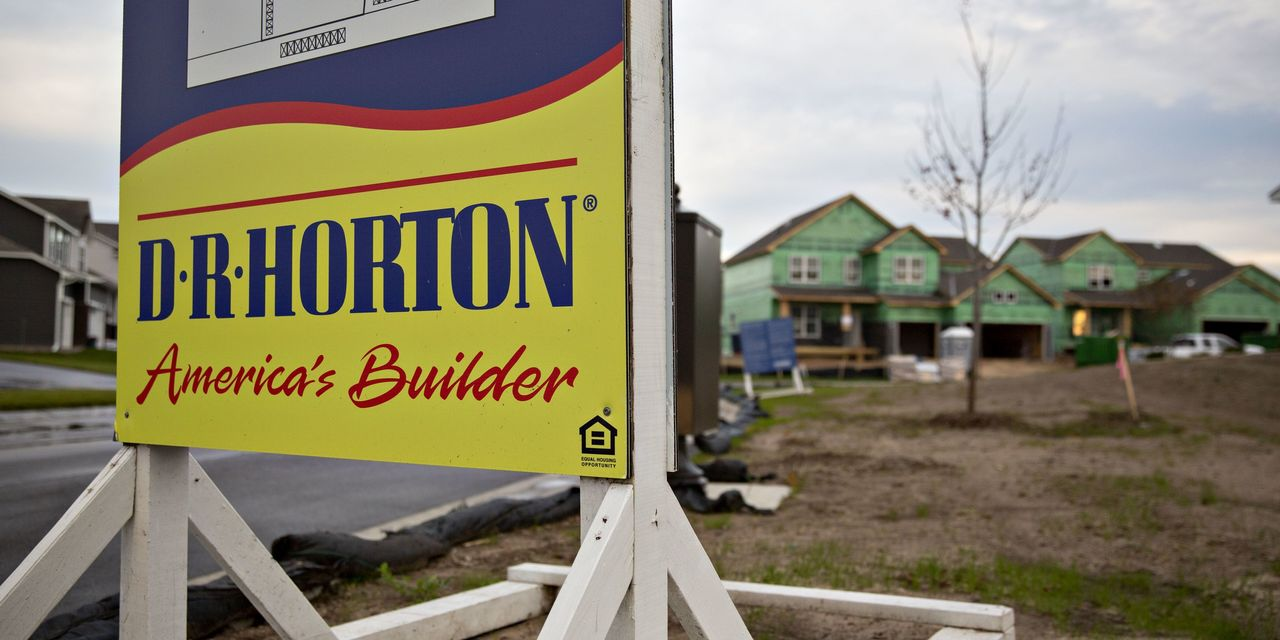 dr-horton-cut-its-sales-forecast-investors-now-await-lennar-and-kb-home-earnings.