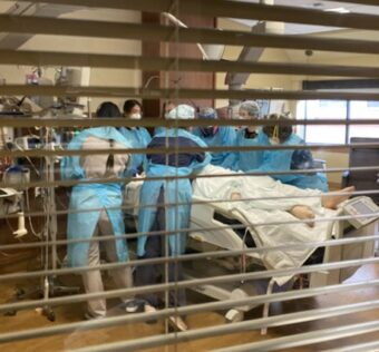 at-an-overrun-icu,-'the-problem-is-we-are-running-out-of-hallways'